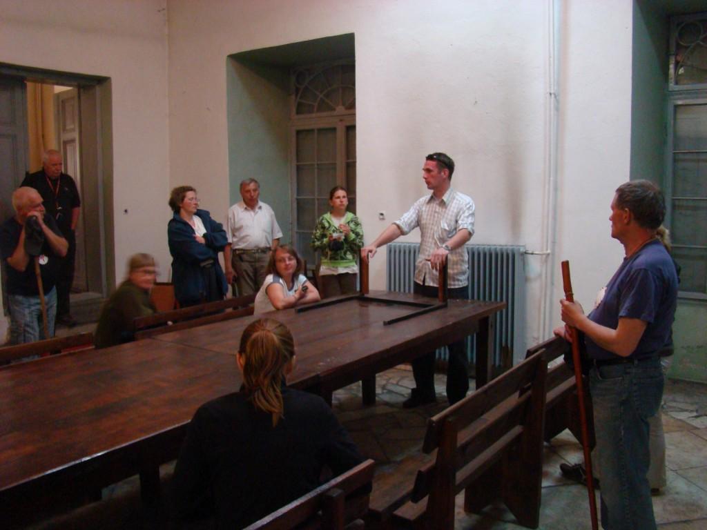 Zwiedzanie pałacu w Oleśnicy Małej