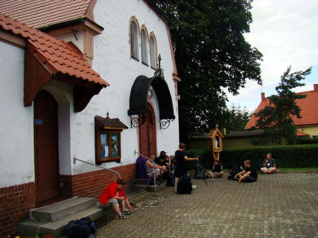 pod kościołem w Chwalimierzu