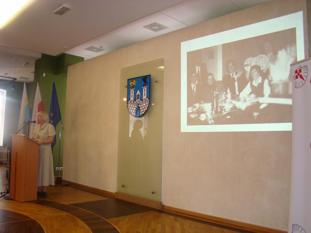 dr Małgorzata Brykczyńska przedstawia historię angielskiego Bractwa